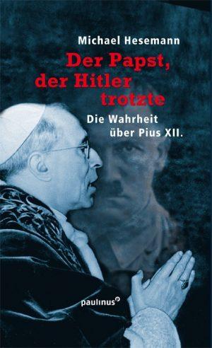 In einer neuen, tiefgehenden Betrachtung von Papst Pius XII. geht der Autor näher darauf ein wie sich dieser Papst während des zweiten Weltkriegs verhielt.