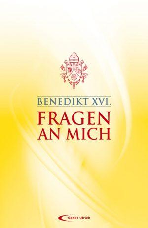 """In der Sammlung """"Fragen an mich"""" findet der Leser Papst Benedikt in den verschiedensten Situationen in denen er spontan Fragen zu Glaube und Religion von ganz """"normalen"""" Menschen beantwortet."""